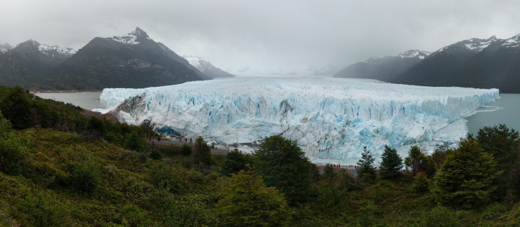 Panoramic view of the Perito Moreno Glacier from the first observation deck