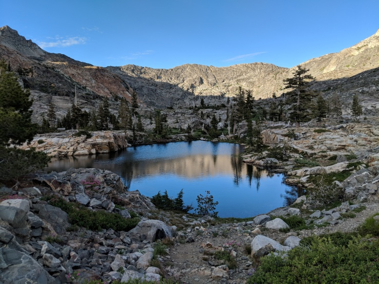 Desolation-wilderness-twin-lakes-boomerang-lake