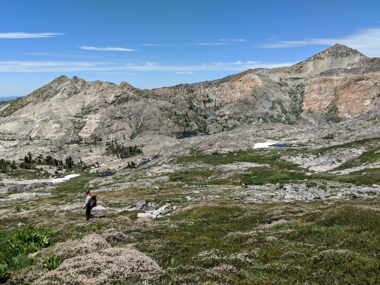 Desolation-wilderness-twin-lakes-climbing-down-crystal-range