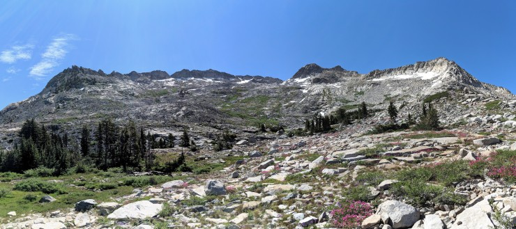 Desolation-wilderness-twin-lakes-crystal-range-pano