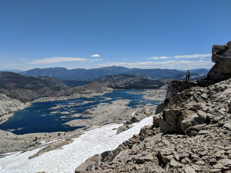 Desolation-wilderness-twin-lakes-hiker-above-lake-aloha