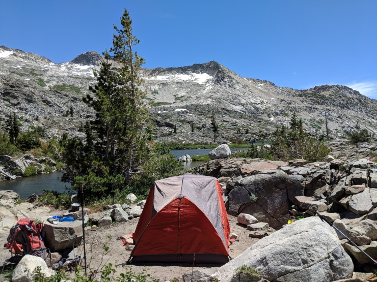 Desolation-wilderness-twin-lakes-island-lake-campsite