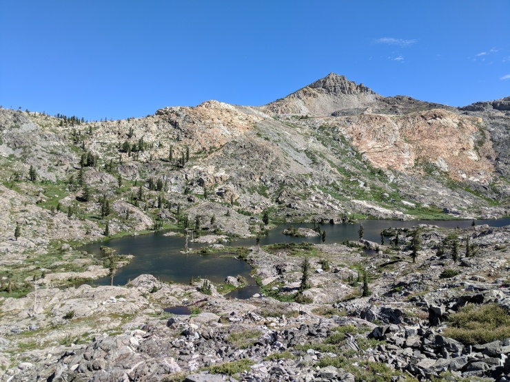 Desolation-wilderness-twin-lakes-island-lake-view-higher-up