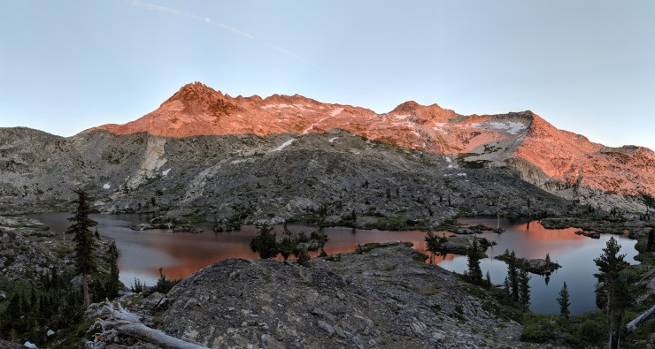 Desolation-wilderness-twin-lakes-panoramic-island-lake-sunset-2