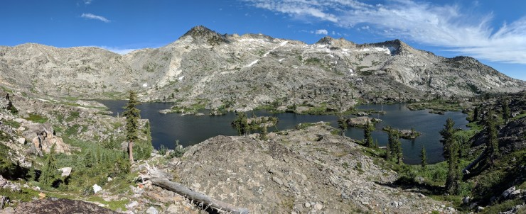 Desolation-wilderness-twin-lakes-panoramic-island-lake