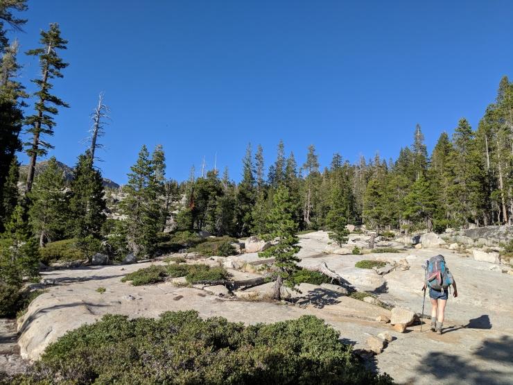 Desolation-wilderness-twin-lakes-rocks-mark-trail