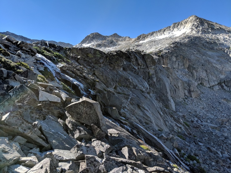 Desolation-wilderness-twin-lakes-waterfall-above-twin-lakes