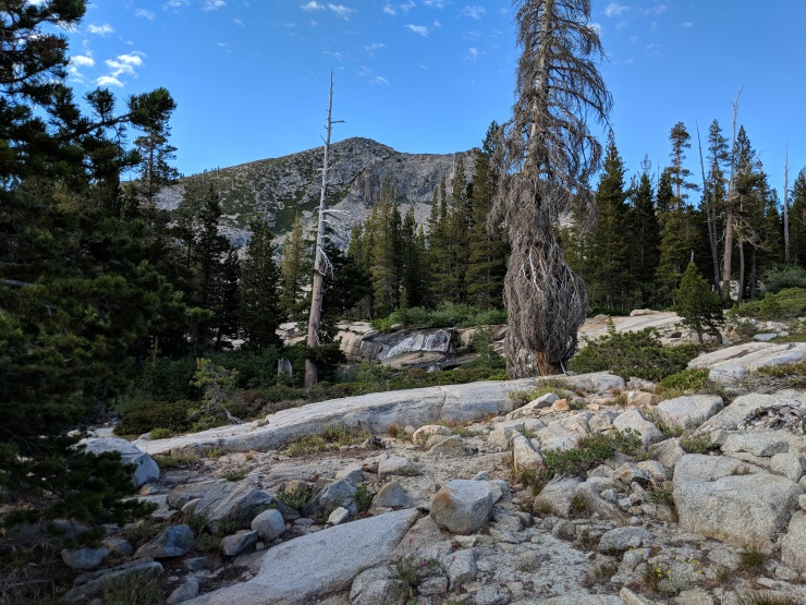 Desolation-wilderness-twin-lakes-waterfall-in-distance