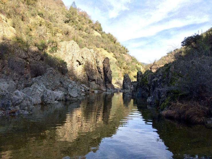 Henry-coe-backpacking-the-narrows-creek-rocks