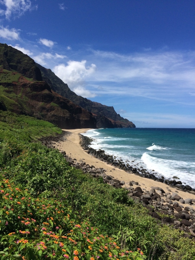 Kalalau-trail-backpacking-beach-first-view