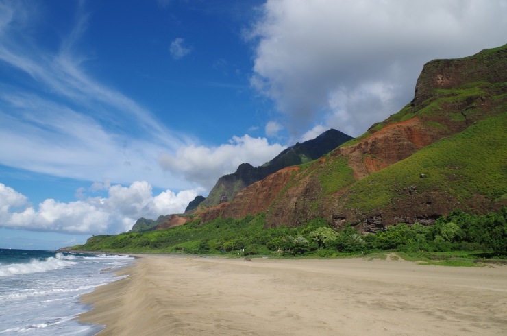Kalalau-trail-backpacking-beach-viewlooking-east