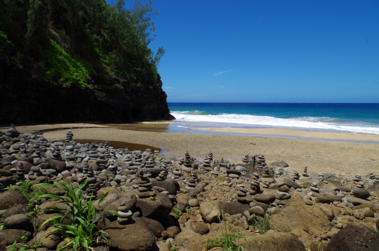 Kalalau-trail-backpacking-hanakapiai-beach