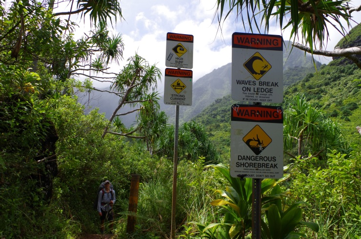 Kalalau-trail-backpacking-hanakapiai-warning-signs