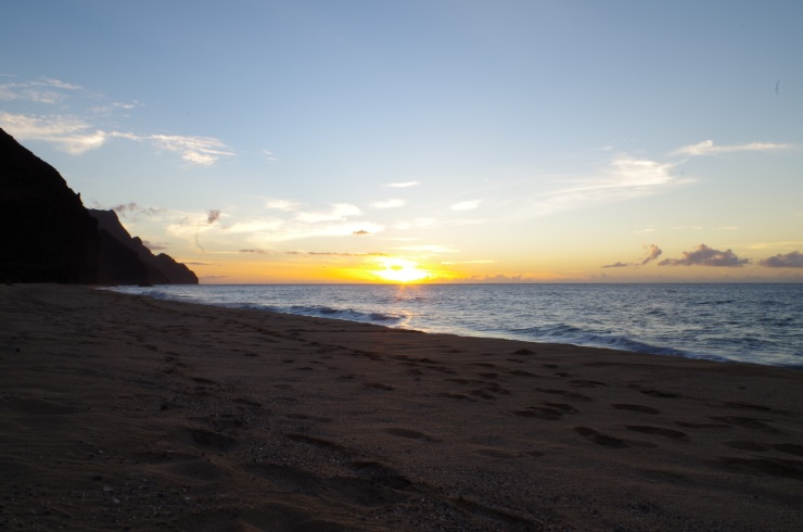 Kalalau-trail-backpacking-sunset-beach