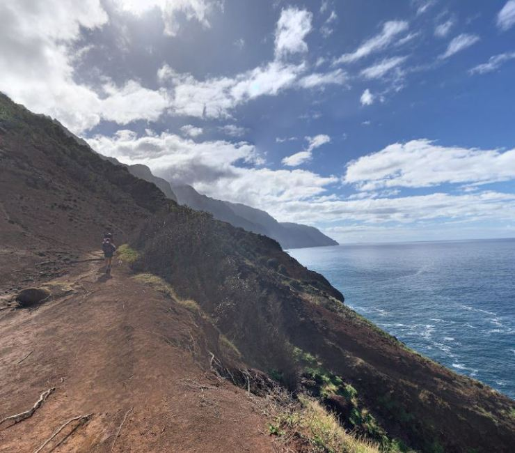 Kalalau-trail-forward-after-crawlers-ledge