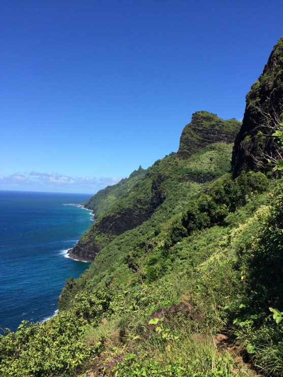 Kalalau-trail-looking-back-second-vista