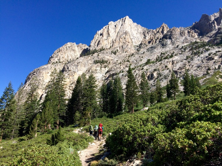 kings-canyon-rae-lakes-loop-climbing-bubbs-creek-trail