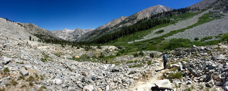 kings-canyon-rae-lakes-loop-descending-valley