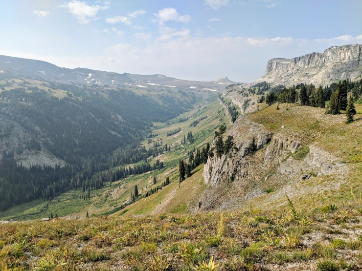 Teton-crest-trail-backpacking-looking-back-death-canyon-shelf