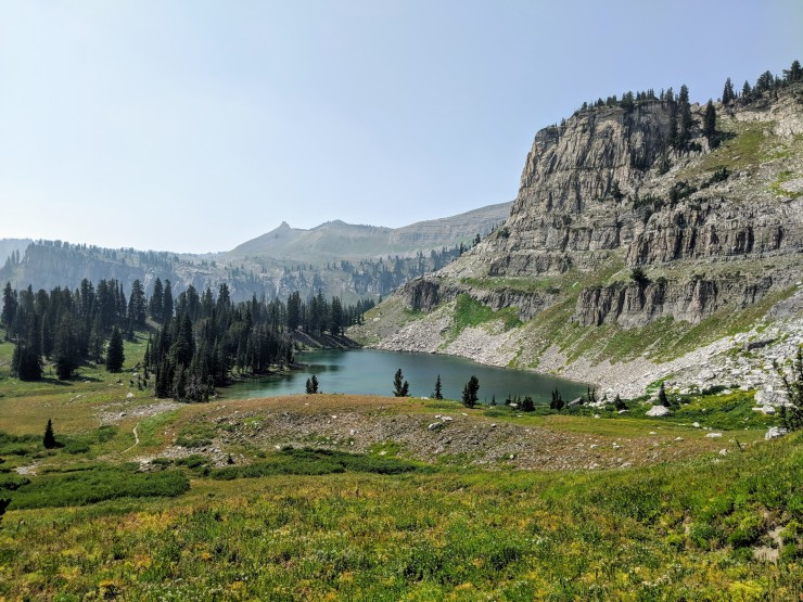 Teton-crest-trail-backpacking-looking-back-marion-lake