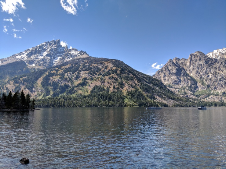 Teton-crest-trail-backpacking-looking-west-jenny-lake
