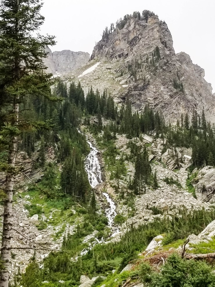 Teton-crest-trail-backpacking-paintbrush-canyon-waterfall