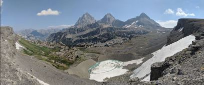 Teton-crest-trail-backpacking-panoramic-view-hurricane-pass-tetons-schoolroom-glacier