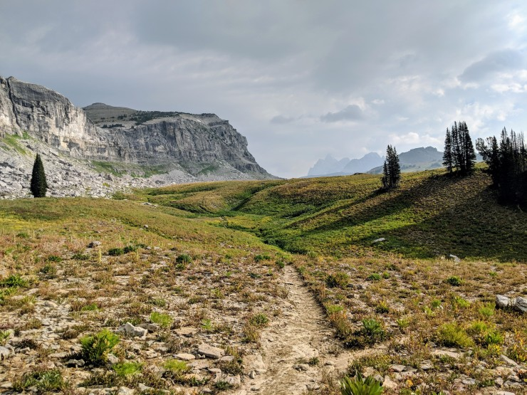 Teton-crest-trail-backpacking-towards-mount-meek-pass