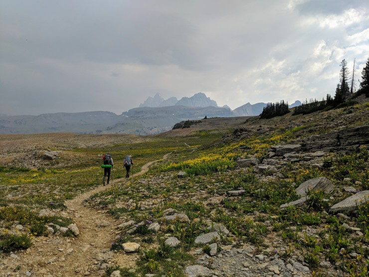 Teton-crest-trail-backpacking-towrads-alaska-basin
