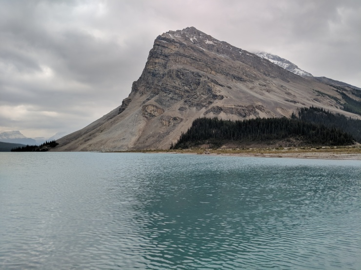 banff-crowfoot-mountain-over-bow-lake