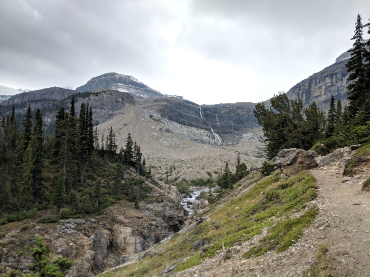Banff-trail-approaching-bow-glacier-falls-viewpoint