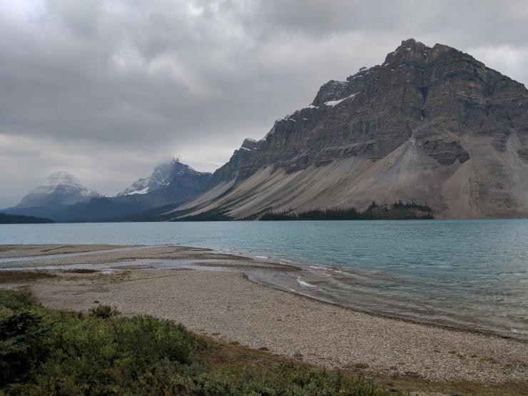 bow-lake-shore-crowfoot-mountain