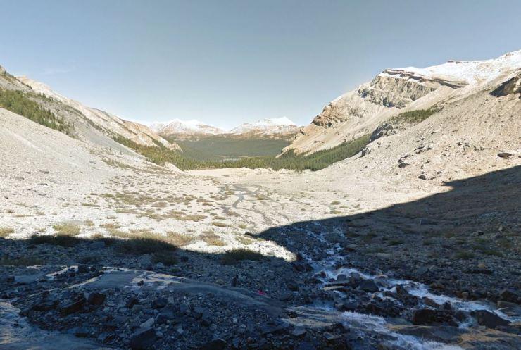 Bow-lake-view-from-bow-glacier-falls