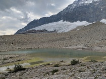 On the other side of the ridge, you find another lake made of Emerald Glacier melt.