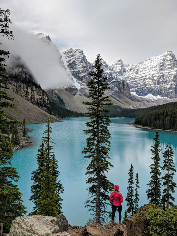 moraine-lake-view-from-top-of-rock-pile