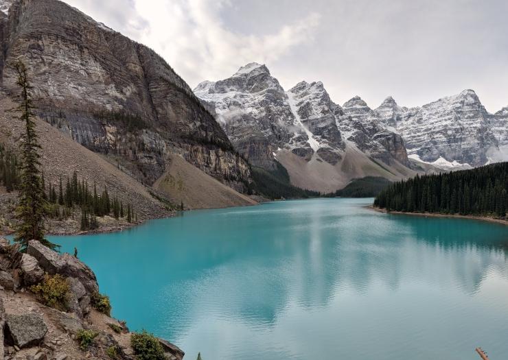 Moraine-lake-view-near-lake-outlet