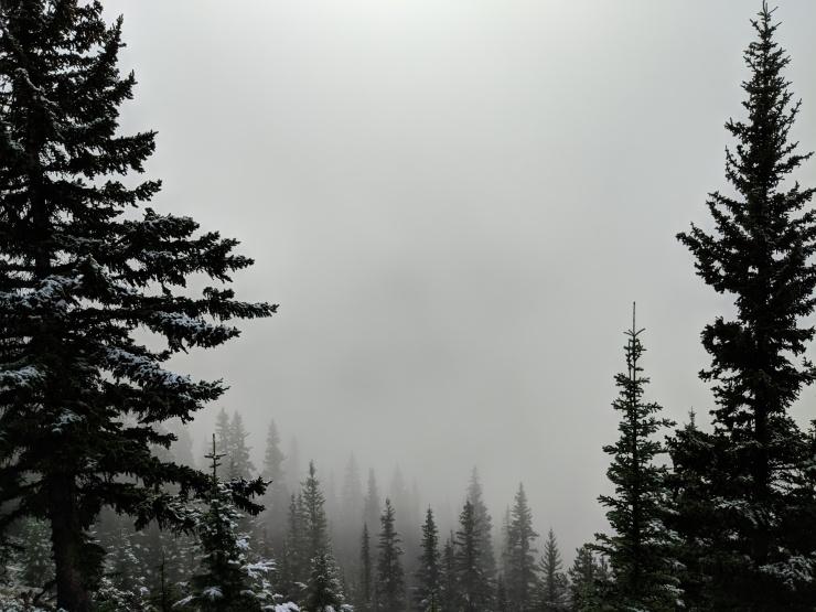 ten-peaks-moraine-lake-hidden-in-cloud