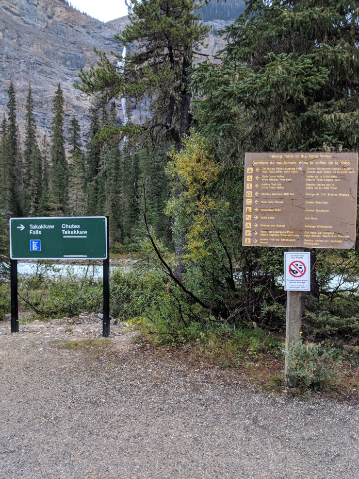 Yoho-iceline-trail-sign-trailhead