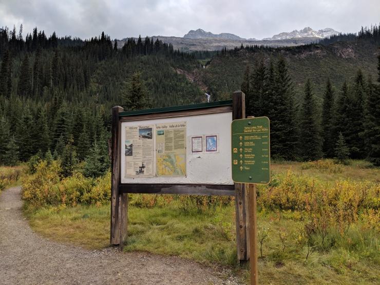 Yoho-iceline-trail-trailhead-whiskyjack-hostel