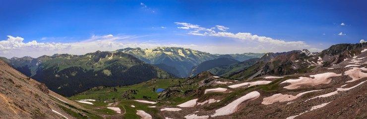 panoramic-view-from-trail-rider-pass