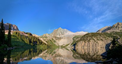 View of Snowmass Lake and Snowmass Peak (credit: mrubenstein01)