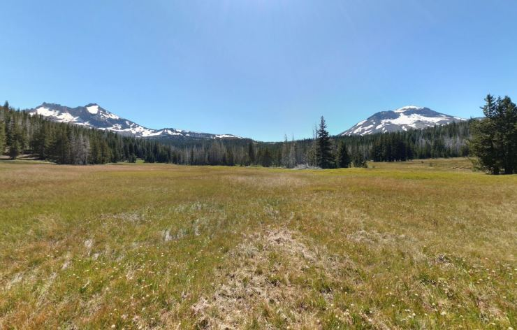 Three-sisters-wilderness-broken-top-loop-park-meadows