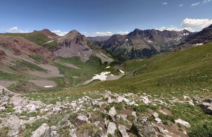 View-to-east-from-buckskin-pass
