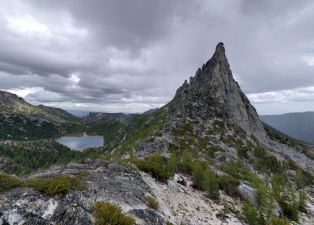 View of Prusik Peak and Shield Lake from near the top of Prusik Pass (credit: Will Thomas)