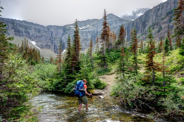 glacier-backpacking-north-circle-stoney-indian-pass-trail-11-stream-crossing