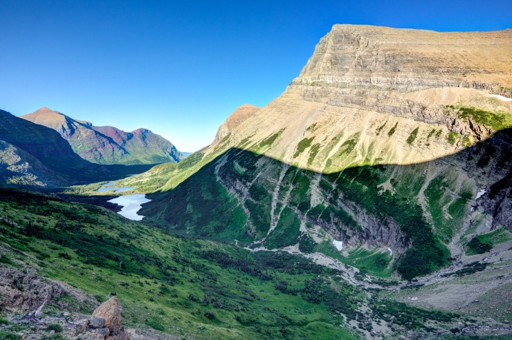 glacier-backpacking-north-circle-swift-current-pass-trail-11-mount-grinnell-bullhead-lake