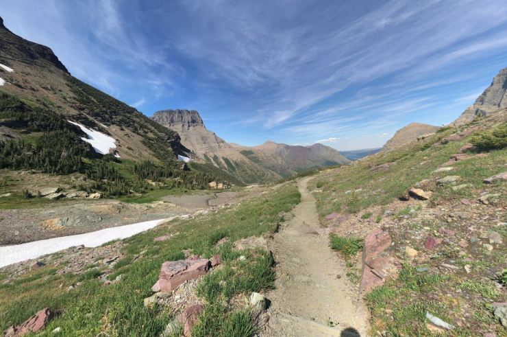 glacier-backpacking-north-circle-swift-current-pass-trail-4-mount-grinnell-stephane-champoussin