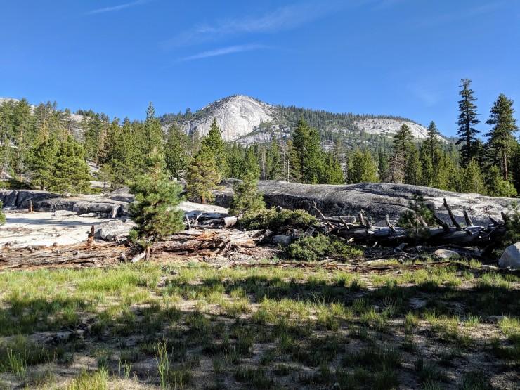yosemite-backpacking-echo-valley-hiking