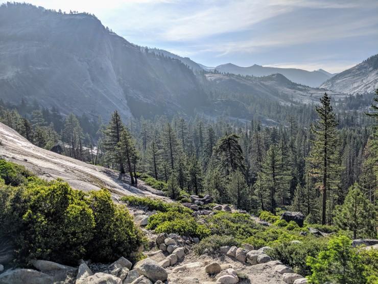 yosemite-backpacking-high-trail-view-towards-lake-merced