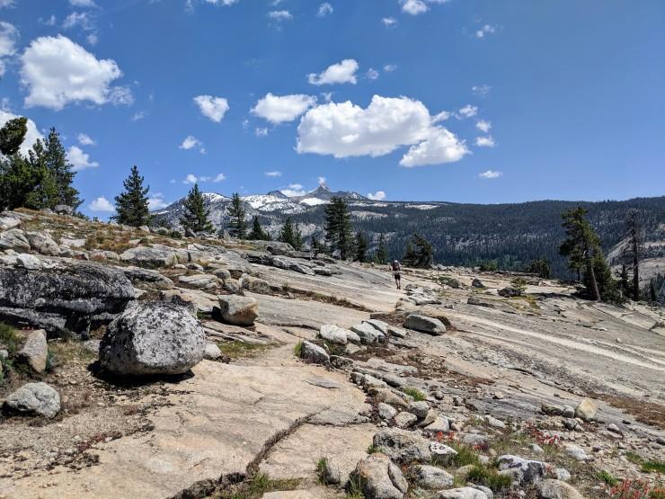 yosemite-backpacking-merced-high-trail-granite-bluff